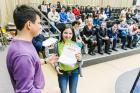 Вручение диплома Гамадисламовой Кристине